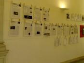 """I dieci numeri della """"Tempesta"""" sul muro della redazione di Ca' Giustinian."""