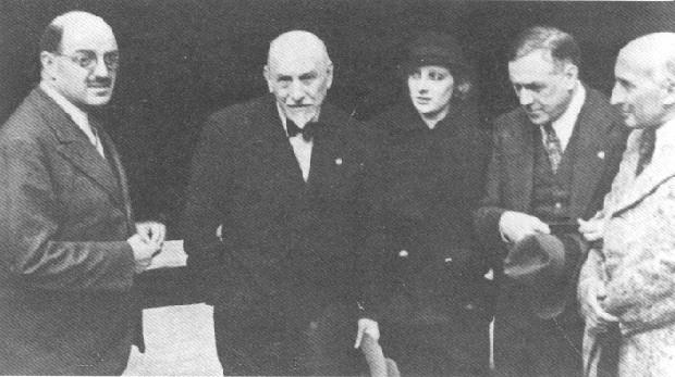 Da sinistra, Silvio d'Amico, Luigi Pirandello, Andreina Pagnani, Renato Simoni, Jacques Copeau (1933).