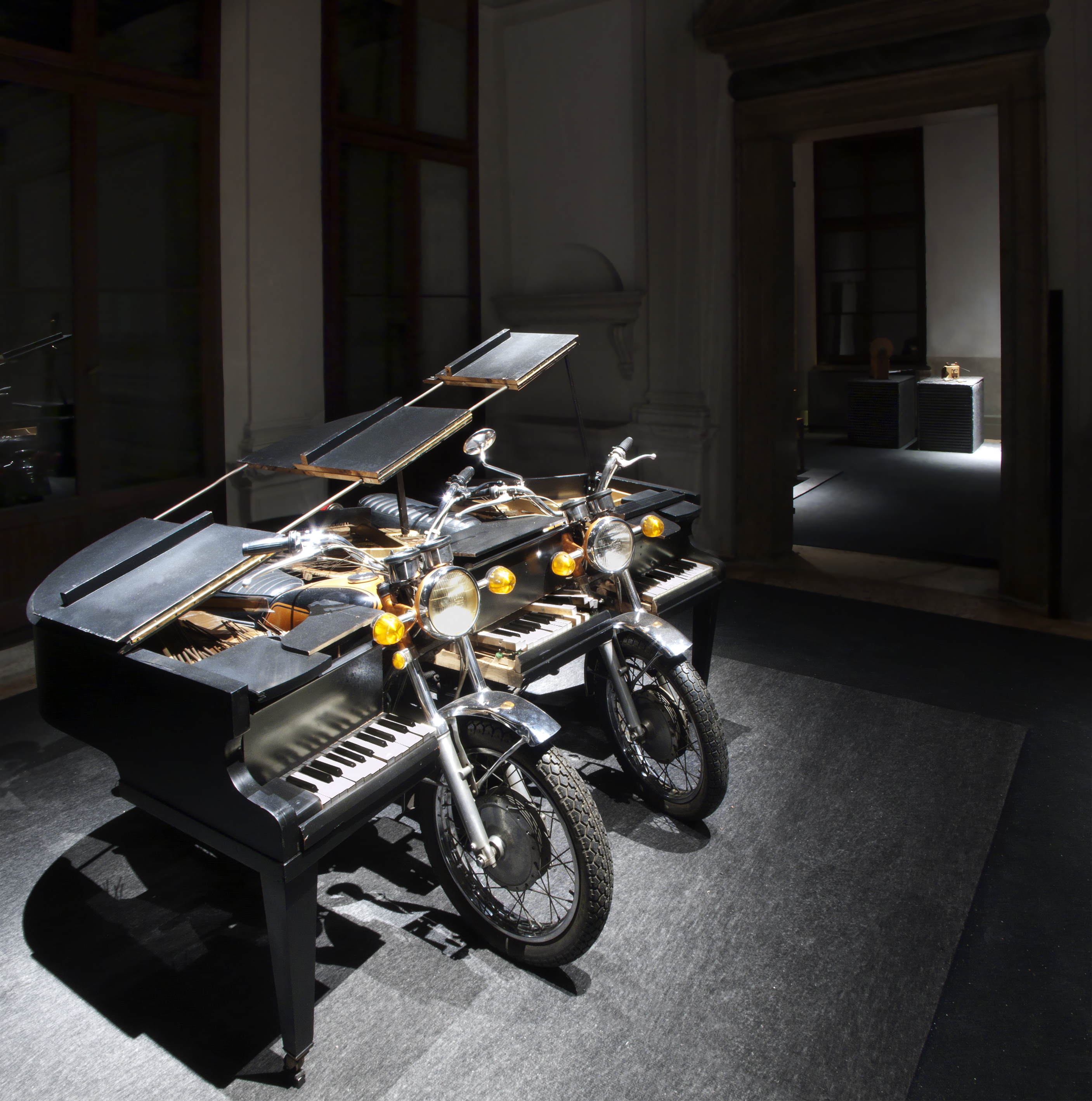 Arman, <i>The Spirit of Yamaha</i> (1997) (Photo Attilio Maranzano)