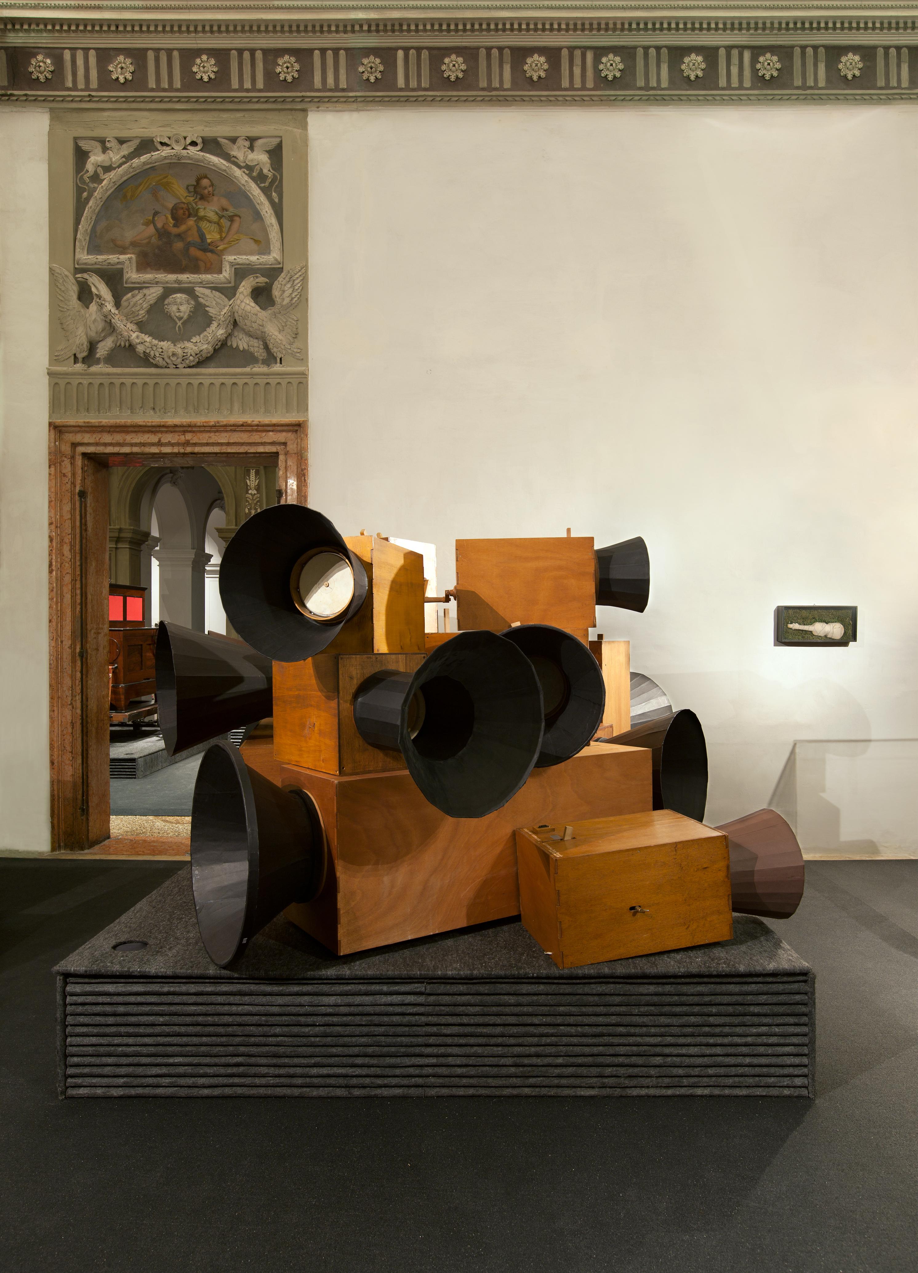 Luigi Russolo, <i>Intonarumori</i>, (1913 -14 ; ricostruzione di Pietro Verardo, 2002 - 2009)  (Photo Attilio Maranzano)