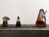 Salvador Dalí, Metronome (1944), Man Ray, Indestructible Object (1923 e 1965), Claes Oldenburg e Coosje van Bruggen, Silent Metronome, 16 inch, Version Three (2005) (Photo Attilio Maranzano)
