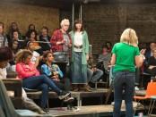 Little Revolution, Melanie Ash, Ronni Ancona, Alecky Blythe e il Community Chorus ( Manuel Harlan)