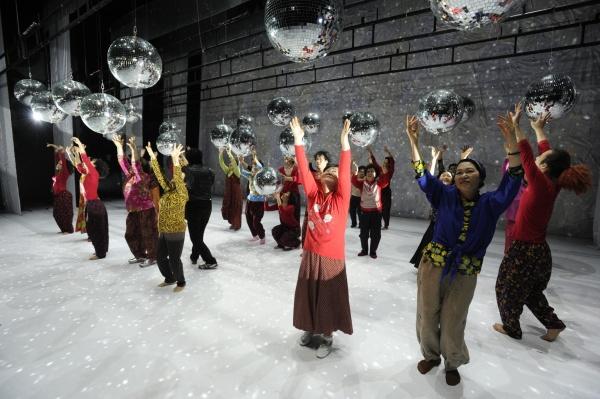 Dancing Grandmothers (ph. Youngmo Choe)